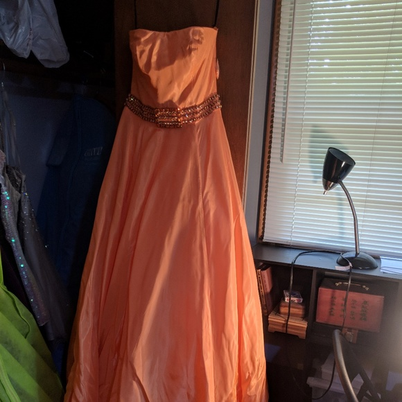 Dresses & Skirts - Prom/Pageant Dress